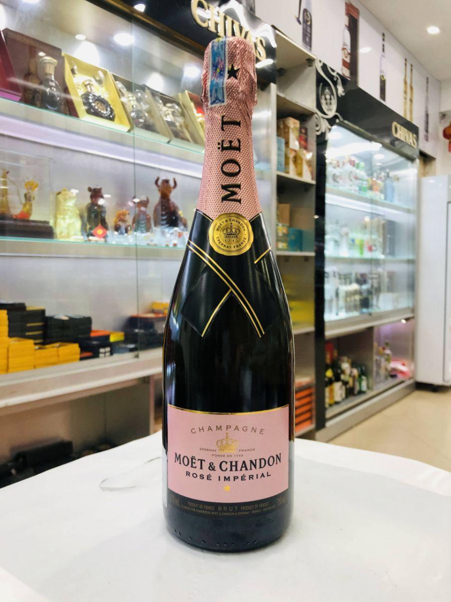 Champagne-Moet-hong-saigonruou2